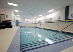 勒斯布里奇海岸酒店及會議中心 - 列斯布里居 - 萊斯布里奇 - 游泳池