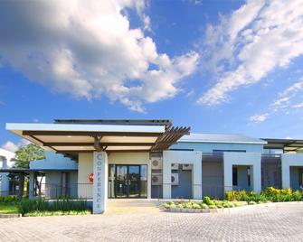 Travelodge Kasane - Kasane - Building