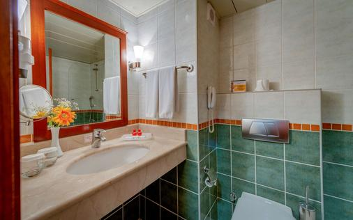 Best Western Plus Khan Hotel - Antalya - Bathroom