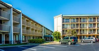 Quality Inn Central - Richmond - Edificio