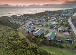 Pine Lodge Resort - Port Elizabeth - Outdoors view