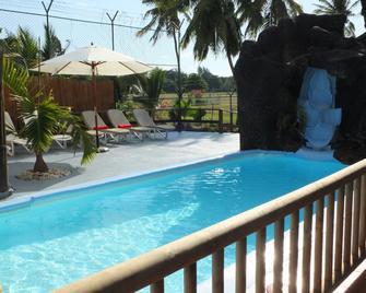 Eden Villa - Belle Mare - Pool
