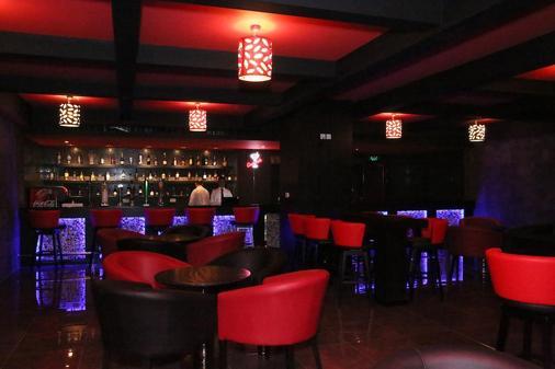 Royal Phoenicia Hotel - Manama - Bar