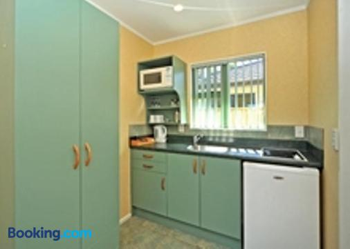 A'La Vista Motel - Palmerston North - Kitchen