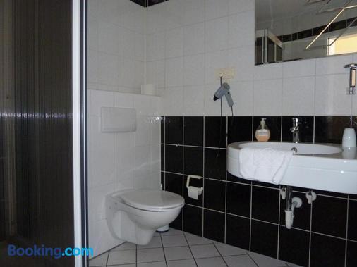 Am Schloß Broich - Mülheim - Bathroom