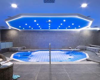 Dorint Hotel Dresden - Dresden - Pool