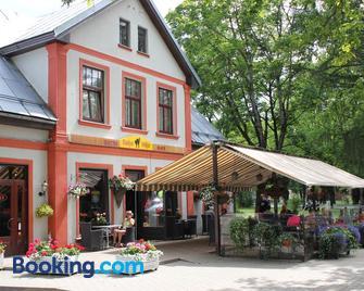 Hotel Kakis - Sigulda - Gebouw