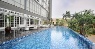 Veranda Hotel @ Pakubuwono by Breezbay Japan - South Jakarta - Piscina