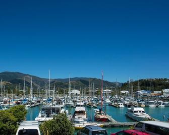 Harbourside Lodge - Nelson - Outdoors view