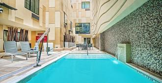 TownePlace Suites by Marriott San Antonio Downtown - San Antonio - Piscina