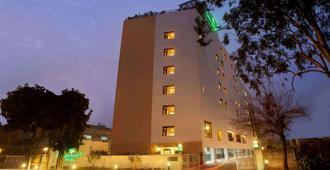 Lemon Tree Hotel Chandigarh - Chandigarh