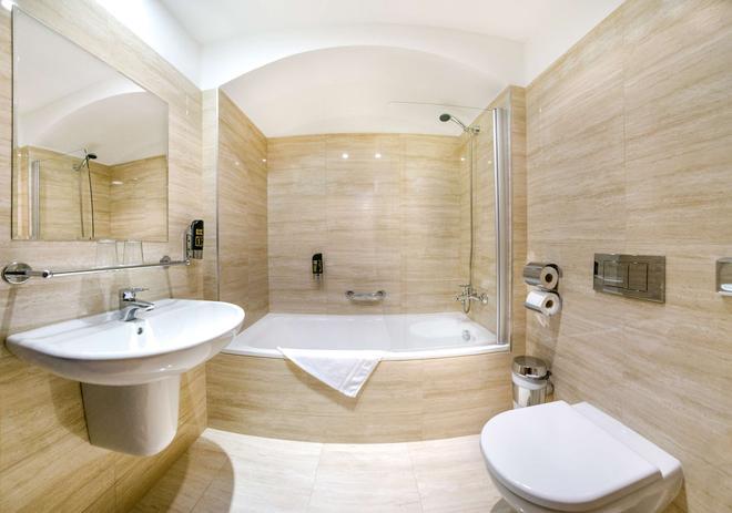Hotel Élite Prague - Prague - Bathroom