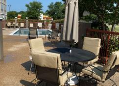 Country Inn & Suites by Radisson, Fort Worth, TX - Fort Worth - Zwembad