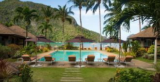 El Nido Garden Resort - אל נידו - בריכה