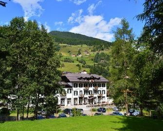 Hotel Pejo - Peio - Outdoor view