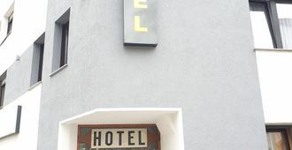 Kirchberg Hotel - Saarbruecken - Building