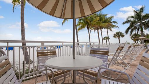 Best Western Plus Beach Resort - Fort Myers Beach - Varanda
