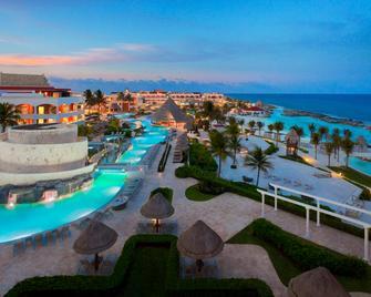 Hard Rock Hotel Riviera Maya - Puerto Aventuras - Piscina