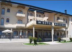 Hotel Meleiros - Puebla de Sanabria - Edifício
