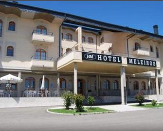 Hotel Meleiros - Puebla de Sanabria - Building