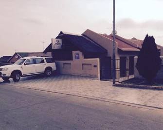 Rifumo Bed & Breakfast - Krugersdorp