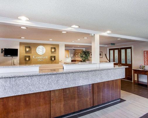 Comfort Inn - Kirkland - Front desk