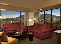 Millennium Harvest House Boulder - Boulder - Living room