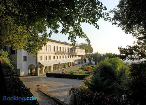 Hotel do Elevador - Braga - Toà nhà