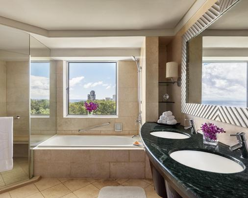 Shangri-La's Mactan Resort & Spa - Cebu City - Bathroom