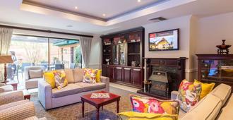 Courtyard Suite Rosebank - Johanesburgo - Sala de estar