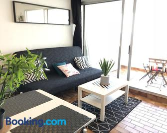 Exceptionnel ! Appartement vue imprenable sur mer. - Carnon - Living room