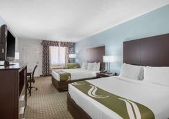 Quality Inn Clute Freeport - Clute - Habitación