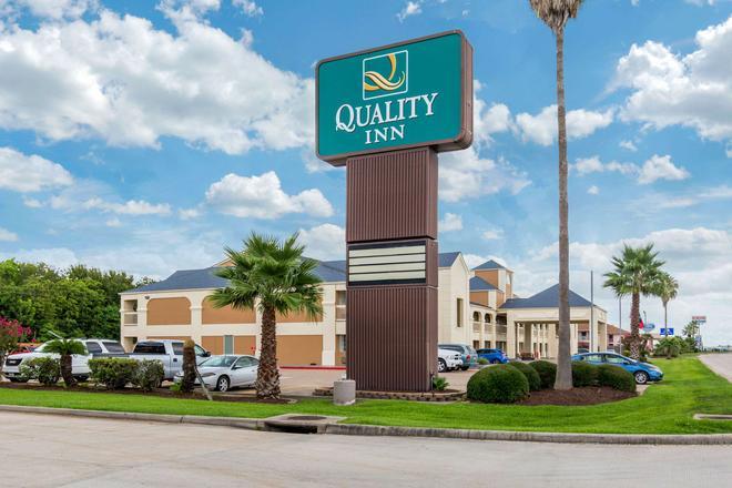 Quality Inn Clute Freeport - Clute - Edificio