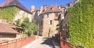 La Petite Auberge de Carennac - Carennac - Outdoor view
