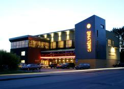 Smelyne - Panevezys - Building