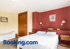 Hotel Tibagi - Curitiba - Bedroom