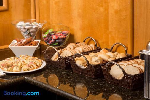 蒂巴日酒店 - 古里提巴 - 庫里提巴 - 自助餐