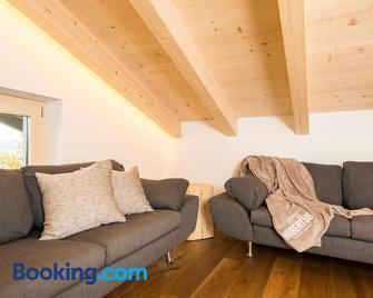 Gasthof Hubertus - Saalfelden - Living room