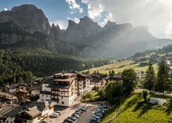 Hotel Gran Ciasa - Colfosco - Outdoor view
