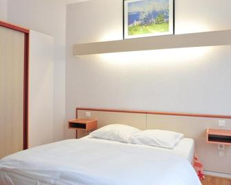 Hotel Majestic Alsace - Niederbronn-les-Bains - Bedroom
