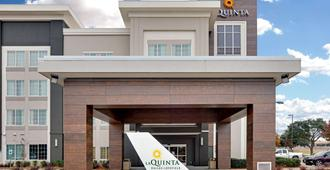 La Quinta Inn & Suites by Wyndham Dallas Love Field - Dallas - Edificio