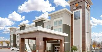 La Quinta Inn & Suites by Wyndham Dallas Love Field - דאלאס