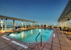 Drury Plaza Hotel San Antonio Riverwalk - Σαν Αντόνιο - Πισίνα