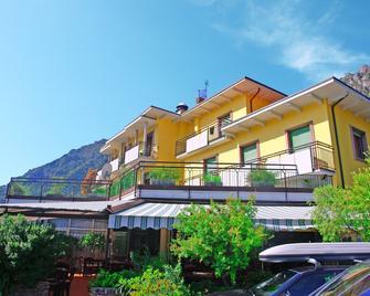 Hotel Limone - Limone sul Garda - Building