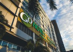 Go Hotels Mandaluyong - Mandaluyong - Budynek
