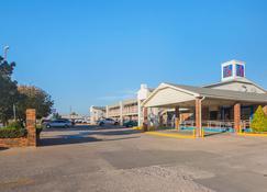 Motel 6 Lawton Ok - Lawton - Building