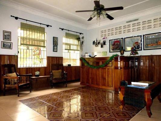 Baphuon Villa - Siem Reap - Front desk