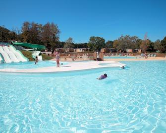 Domaine Résidentiel de Plein Air Odalys Le Vorlen - Fouesnant - Pool