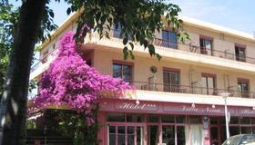 Villa Nina - Antibes - Rakennus