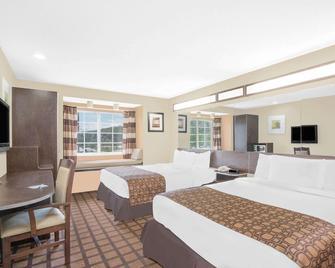 Microtel Inn & Suites by Wyndham Franklin - Franklin - Спальня